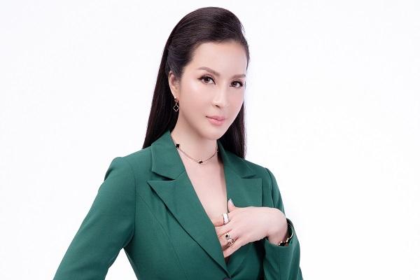 MC Thanh Mai thu hút người đối diện với vẻ ngoài cá tính