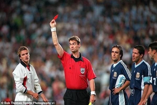 David Beckham từng suy sụp, khóc nức nở vì bị đuổi tại World Cup 1998