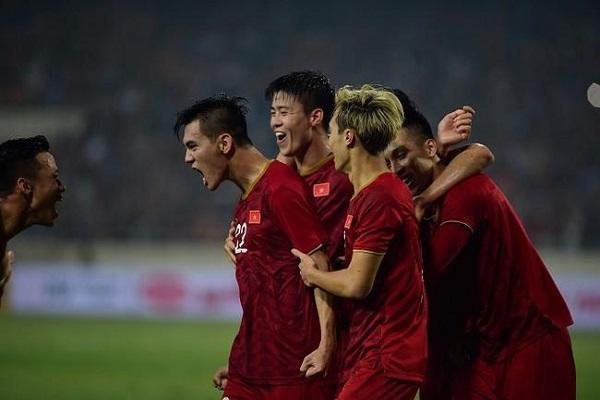 Bóng đá Việt Nam cần sự lựa chọn khôn ngoan sau thời COVID-19