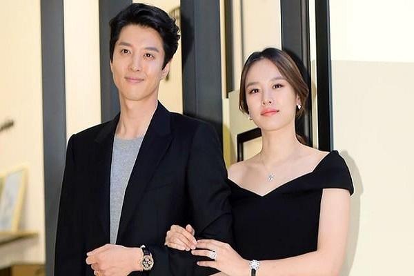 Lee Dong Gun và Jo Yoon Hee chia tay sau 3 năm chung sống