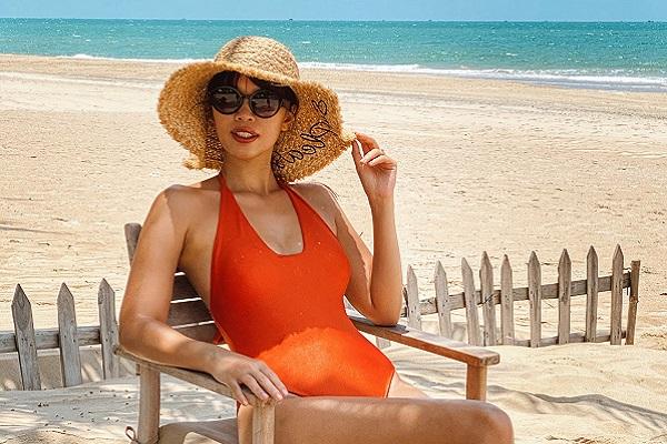 Phong cách thời trang mùa 'cách ly' siêu nóng bỏng của Hà Anh