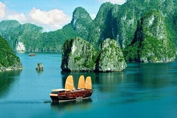 Vịnh Hạ Long, 1 trong 50 kỳ quan thiên nhiên đẹp nhất thế giới 2020