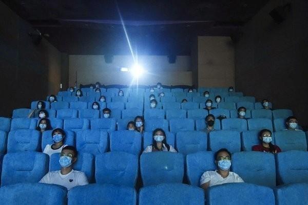Mới mở cửa lại 3 ngày, rạp chiếu phim tại Trung Quốc bất ngờ đóng cửa