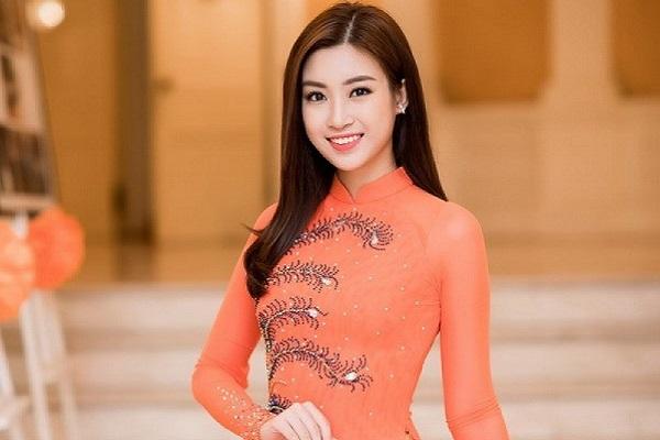 Sau khi ủng hộ 50 triệu, Hoa hậu Mỹ Linh tiếp tục động viên Đà Nẵng chống dịch