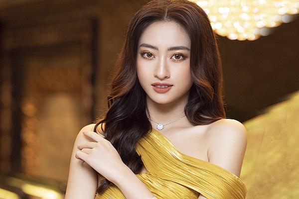 Hoa hậu Lương Thuỳ Linh đã làm giám đốc ở tuổi 20
