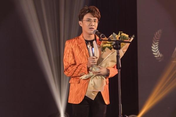 Huỳnh Lập được vinh danh là 'Nghệ sĩ hài của năm 2019'
