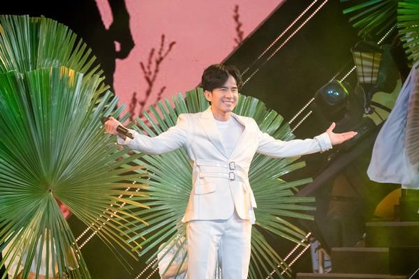 Đan Trường - Trung Quang hát mừng Sài Gòn 44 năm mang tên TP.HCM