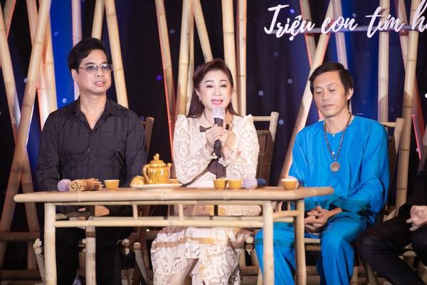 NSUT Hoài Linh, Thoại Mỹ và Ngọc Sơn xúc động khi nhắc về quê hương