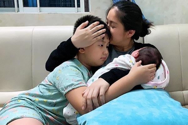 Lê Phương tâm sự: 'Con cái là món quà vô giá mà ơn trên ban tặng'