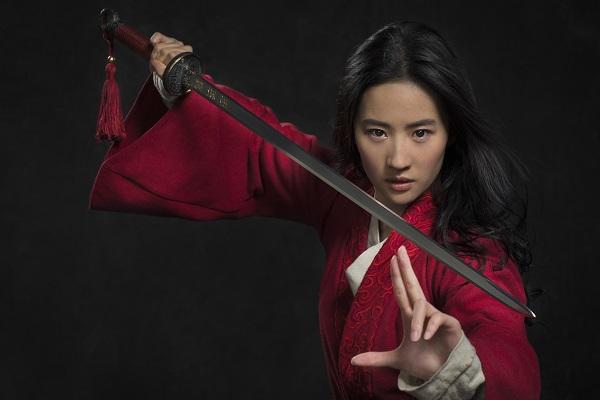 Ngắm 'Thần tiên tỉ tỉ' hóa thành nữ tướng Hoa Mộc Lan