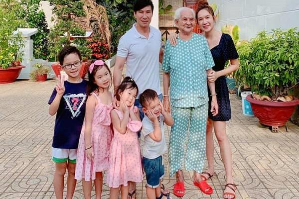 4 con Lý Hải - Minh Hà quây quần bên nội dịp cuối tuần