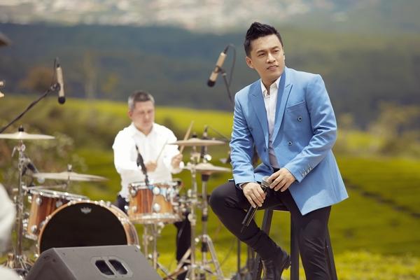 Lam Trường tiết lộ từng bị ám ảnh và trầm cảm nặng vì cái chết của fan
