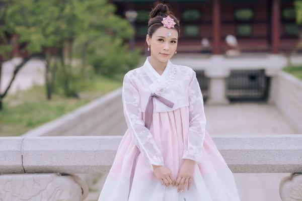 Diện Hanbok, Sam được khen xinh như thần tượng K-pop