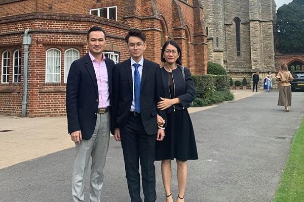 Xúc động với tâm thư của Chi Bảo dành cho con trai trước ngày du học