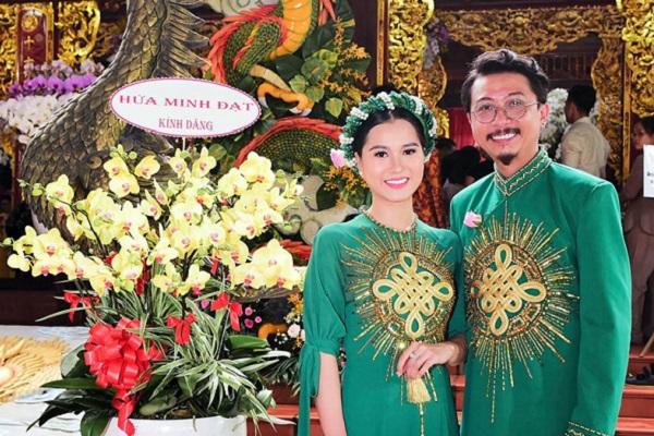 Vợ chồng Hứa Minh Đạt - Lâm Vỹ Dạ diện áo dài đôi đi cúng Tổ nghề sân khấu