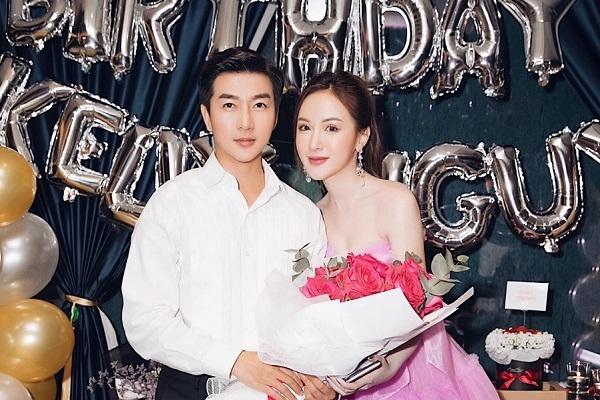 Kelly làm sinh nhật, hotboy Nam Hee chiếm tâm điểm vì quá điển trai