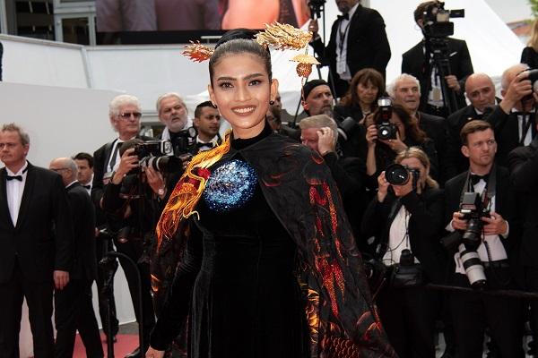 Thêm một mỹ nhân Việt xuất hiện trên thảm đỏ Cannes 2019
