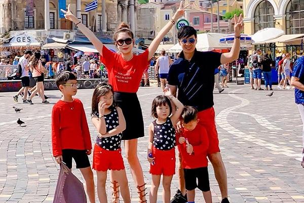 Gia đình vàng Lý Hải - Minh Hà dắt nhau đi thăm quan suốt mùa hè
