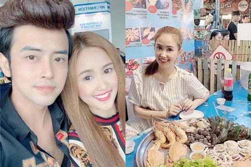 Phương Hằng, Anh Tâm đưa bố mẹ sang Thái Lan khám phá ẩm thực