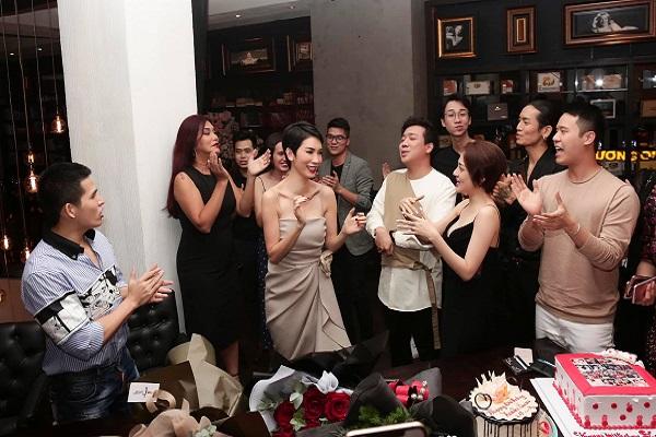 Trấn Thành, Bảo Anh, BB Trần, Hải Triều,... chúc mừng sinh nhật Xuân Lan