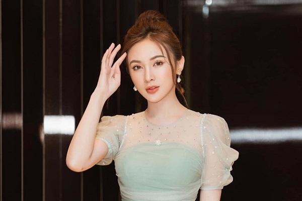 Kelly Nguyễn đẹp như nữ hoàng tại event cuối tuần