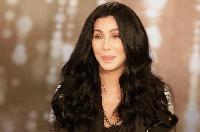 Danh ca Cher vẫn giữ được nhan sắc lộng lẫy tuổi ngoài 70
