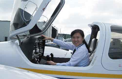 Jetstar Pacific có nữ cơ trưởng 8x người Việt đầu tiên