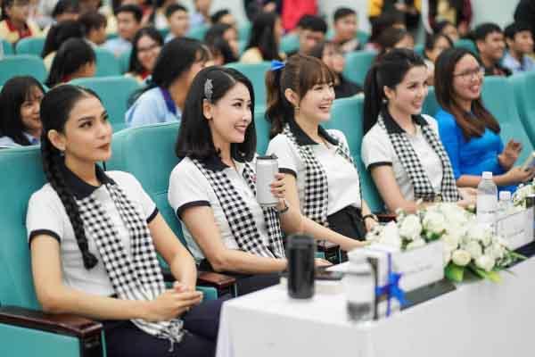 """Hoa hậu Hà Kiều Anh: """"Cuốn sách Nghĩ giàu làm giàu đã thay đổi hàng triệu người"""""""