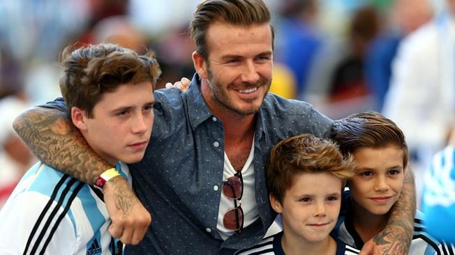 David Beckham mời Ronaldo và Rooney chơi cho đội bóng của mình