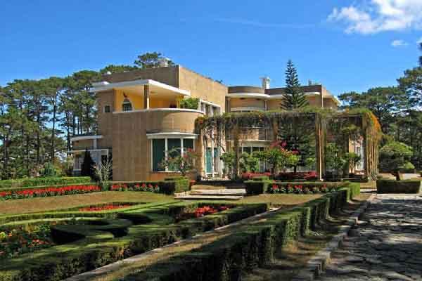 Những dinh thự xa hoa của vị vua cuối cùng Triều Nguyễn