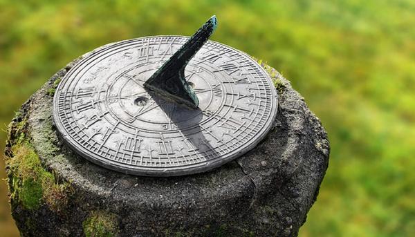 Những phát minh giúp xem giờ trước khi có đồng hồ