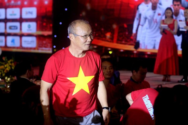 Thầy trò HLV Park Hang Seo giao lưu với người hâm mộ thành phố Hồ Chí Minh