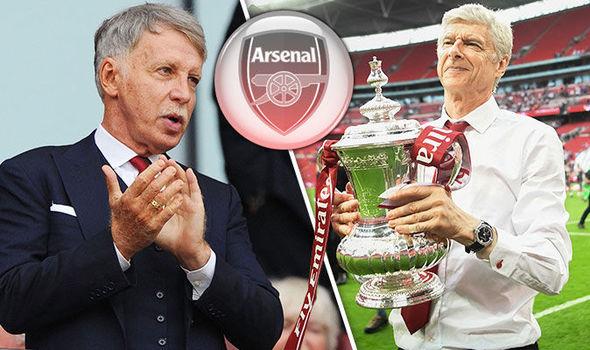 HLV Wenger bị ép phải chia tay Arsenal