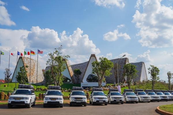 Hành trình Từ Trái Tim: Cộng đồng háo hức hưởng ứng hành trình tặng sách xuyên Việt