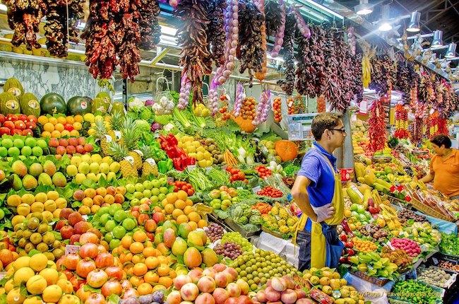 Khám phá La Boqueria tại Barcelona, khu chợ trời đẹp nhất thế giới