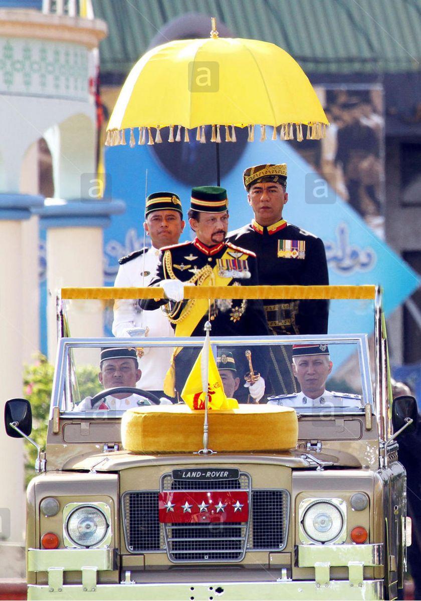 Bộ sưu tập nhiều siêu xe nhất thế giới của Quốc vương Brunei