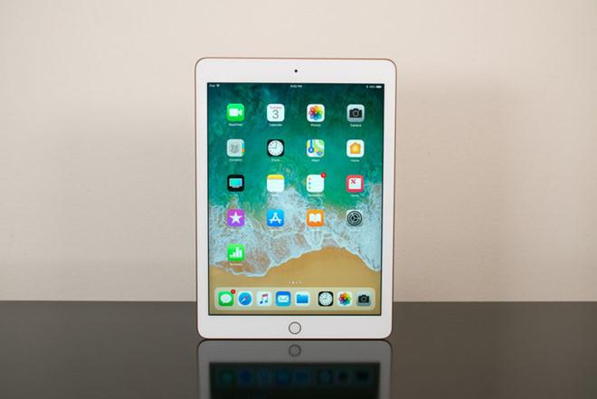 iPad 2018 chính hãng lên kệ ở Việt Nam, giá 10 triệu đồng