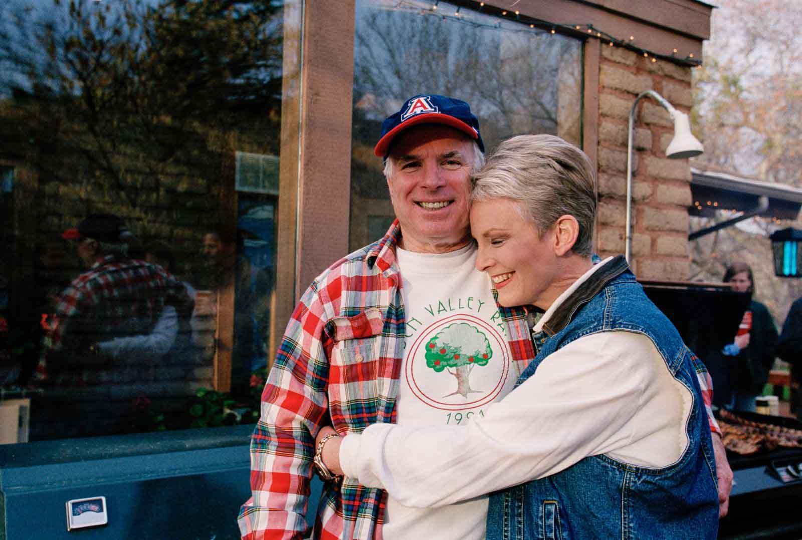 Những hình ảnh đáng nhớ của gia đình John McCain