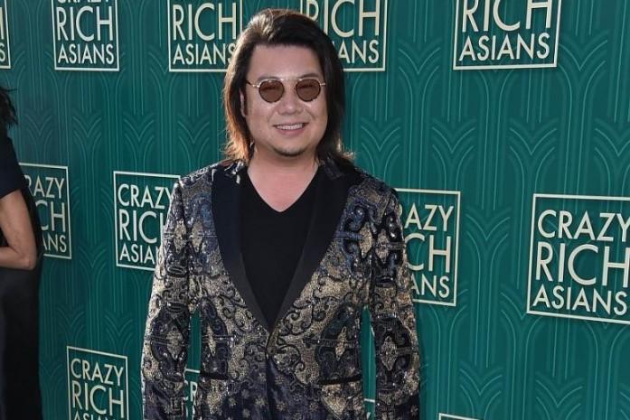 """Tác giả """"Con nhà siêu giàu châu Á"""" bị truy nã"""