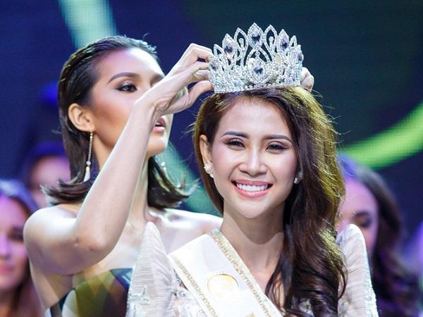 Liên Phương giành ngôi Á hậu Hoa hậu Đại sứ du lịch thế giới