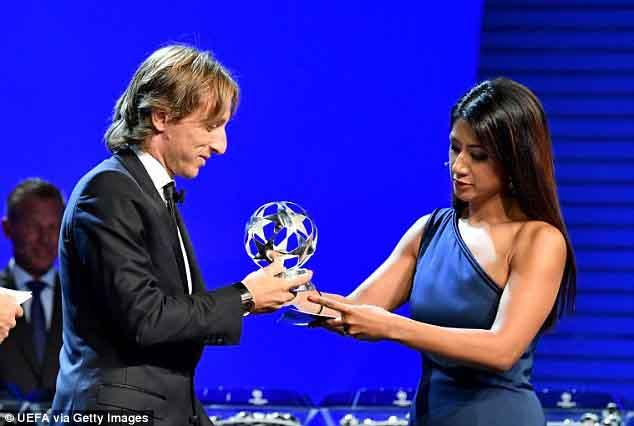Vượt qua Ronaldo, Luka Modric nhận giải Cầu thủ xuất sắc nhất UEFA