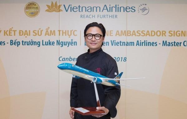 'Phù thủy ẩm thực' làm đại sứ ẩm thực của Vietnam Airlines