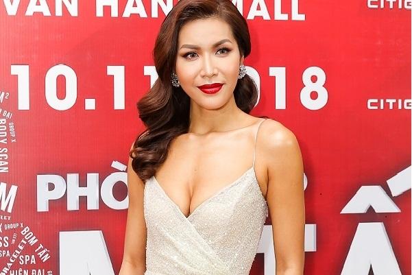 Minh Tú sẵn sàng cho cuộc thi Hoa hậu Siêu quốc gia 2018
