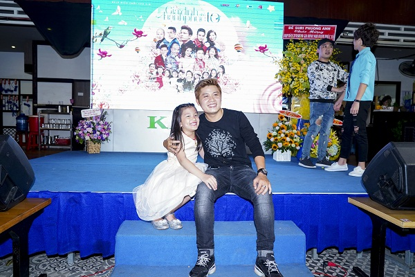Nhạc sĩ Nguyễn Văn Chung làm liveshow dành tặng tuổi thơ con gái