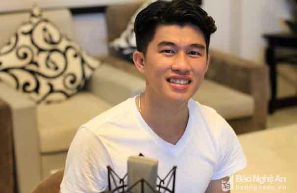 Bản mashup 41 ca khúc hit của chàng trai Nghệ An