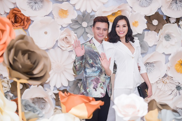 Nữ Hoàng Sắc đẹp Trần Huyền Nhung giản dị tham dự Thanks Party của Hoa hậu Hoàng Lan