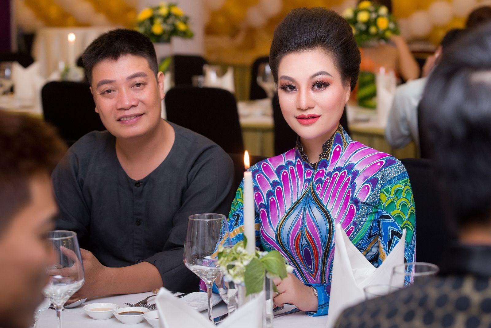 Nữ Hoàng Trần Huyền Nhung nổi bật trong đêm Doanh Nhân Vì Cộng Đồng