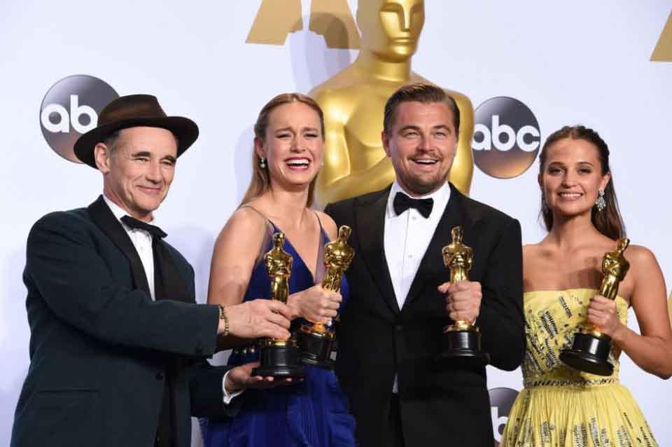 Khám phá những điều bí mật xung quanh tượng vàng Oscar