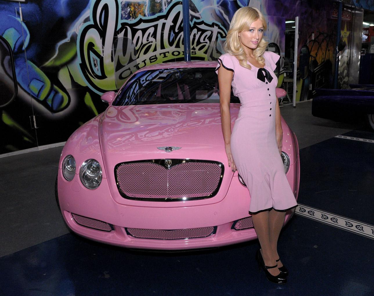 """Bộ sưu tập xế """"đỏm dáng"""" của Paris Hilton"""