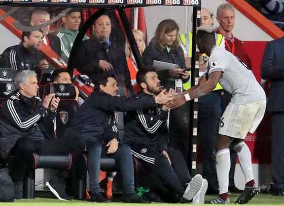 MU nội bộ rạn nứt: Pogba không thèm bắt tay HLV Mourinho!